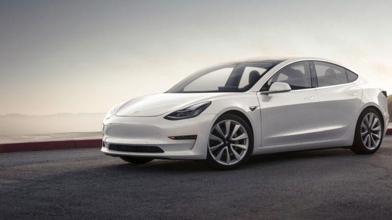 26.03 Autotund: sõidurõõmust, olukorrast automaailmas ja Tesla sahkerdamisest