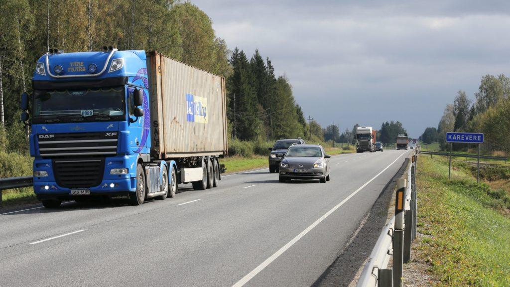 Arvamus: möödasõit on kõige ohtlikum manööver liikluses, kuidas seda õigesti teha?