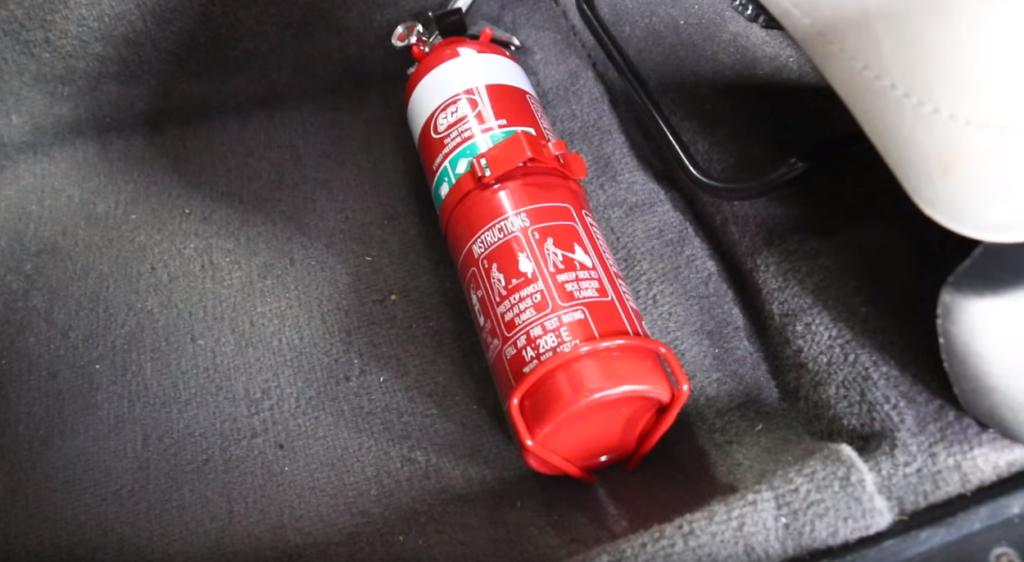 f19c60c54be Seadus kohustab autojuhte tulekustuteid vähemalt kord aastas kontrollima