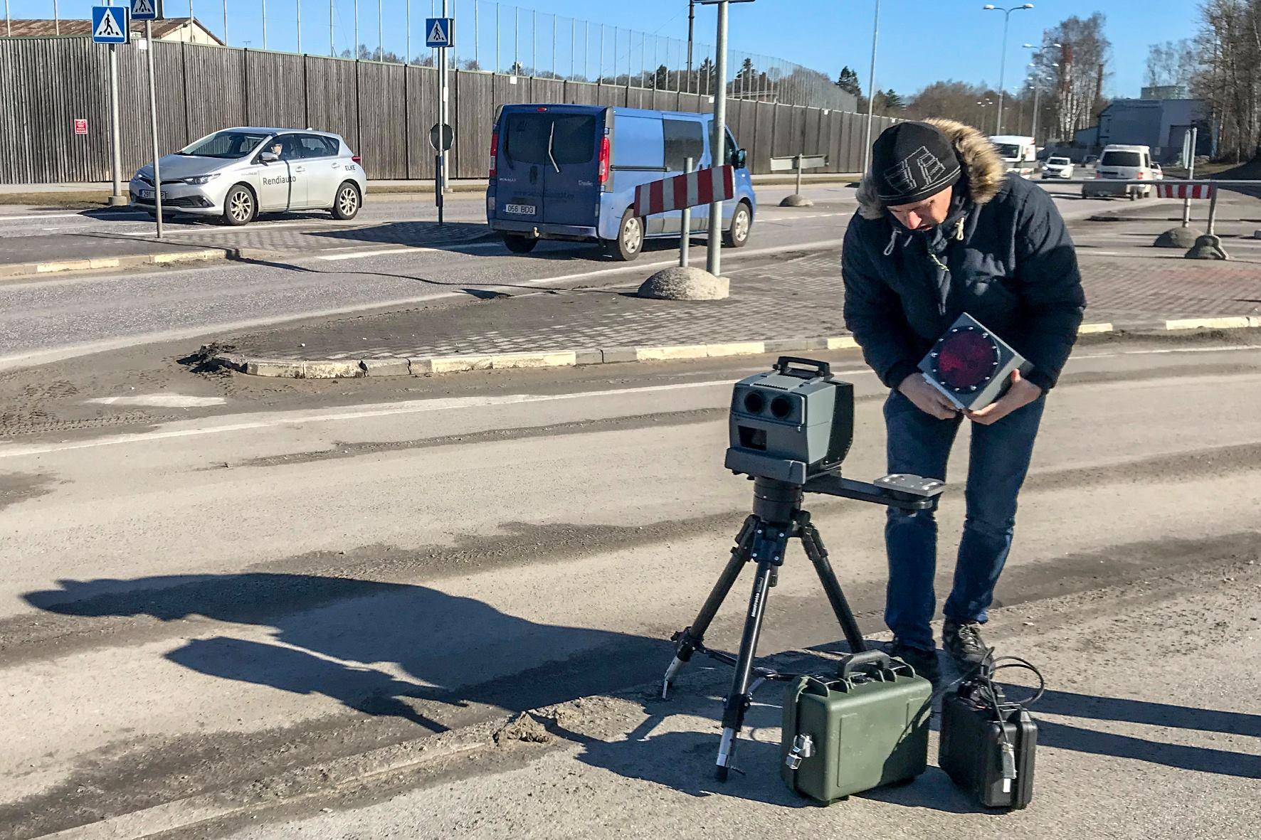 Mobiilsete kiiruskaamerate tulek lükkub edasi