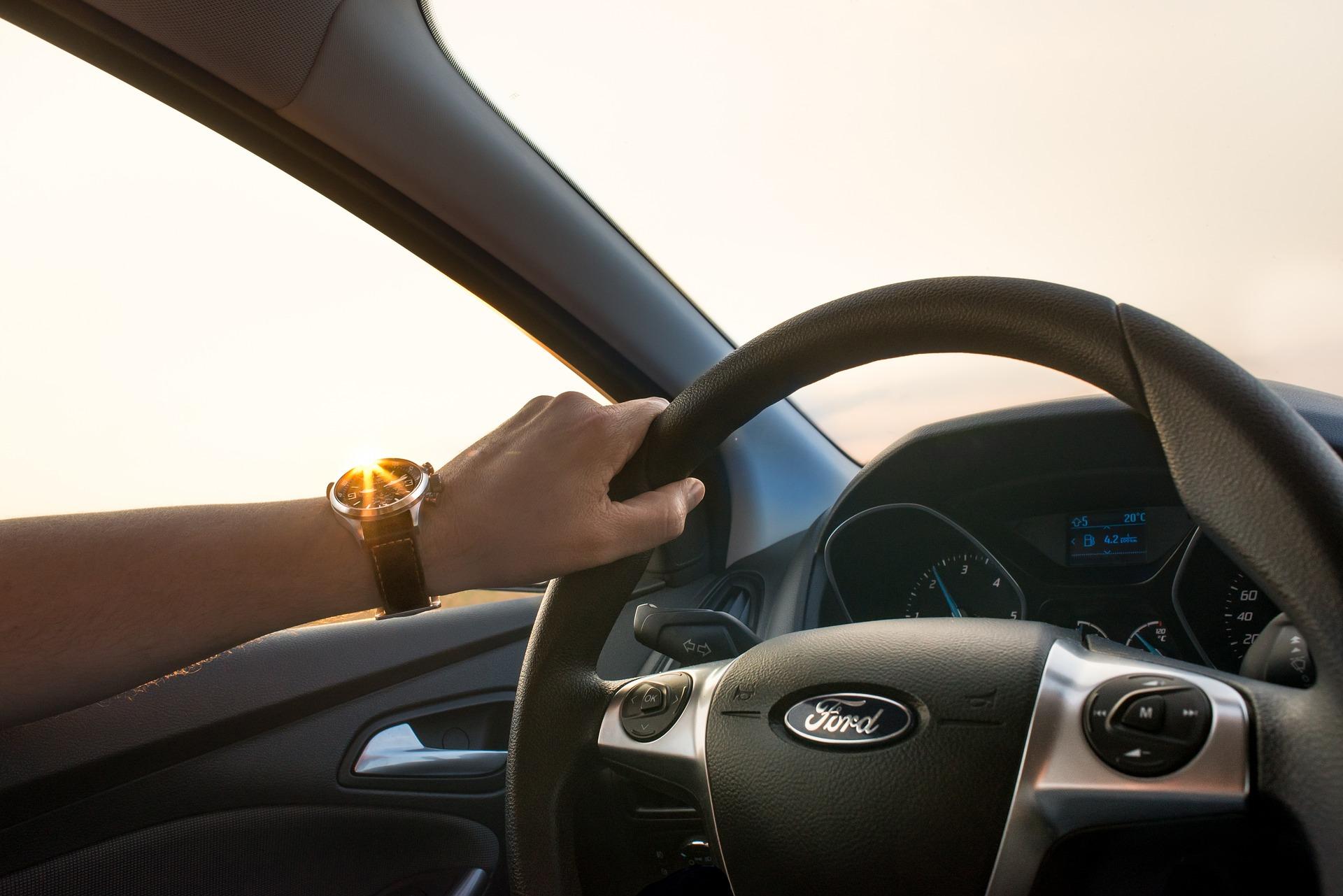 Mida teha kindlustustega, kui müüsid auto ja ostja ei kirjuta seda oma nimele ümber?