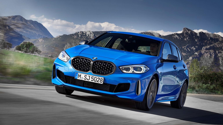 BMW 1. seeria M135i tuleb nelikveoline ja kaotab 2 silindrit