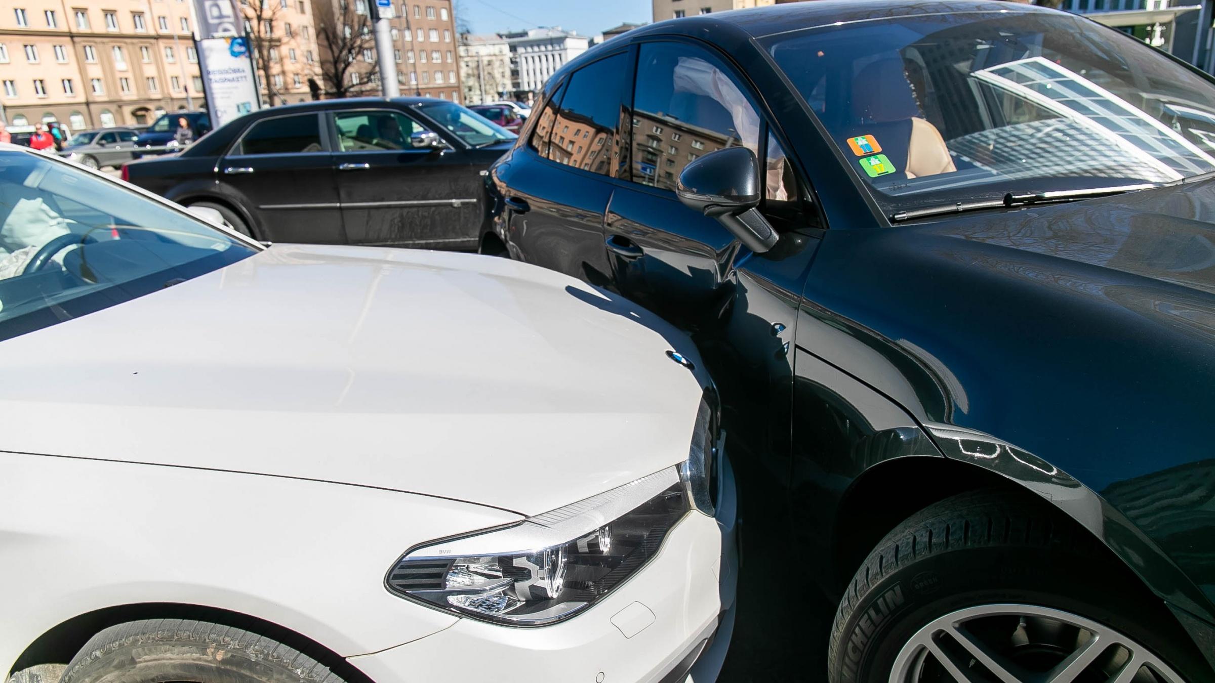 Tasub teada: Kuidas avariist kindlustuse jaoks õigesti pilte teha?