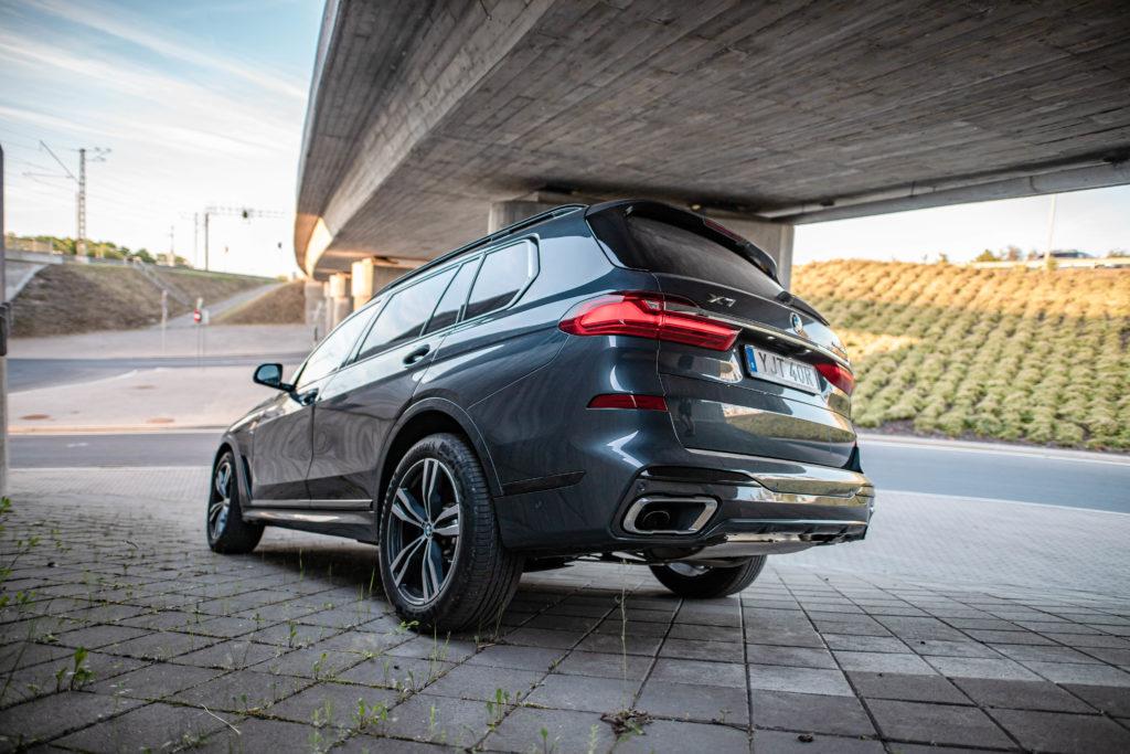 Piltuudis: Kas BMW plaanib X7 linnamaasturisse panna V12 mootori?