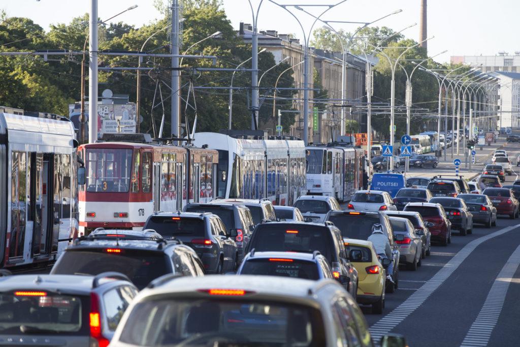Politsei soovitab Tallinnast Pärnu ja Haapsalu suunal sõitmisel vältida Laagri piirkonda