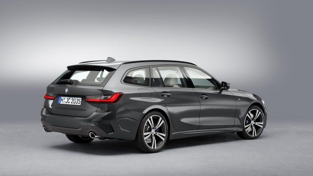 BMW uus 3. seeria universaal paneb suurt rõhku praktilisusele ja mahutavusele