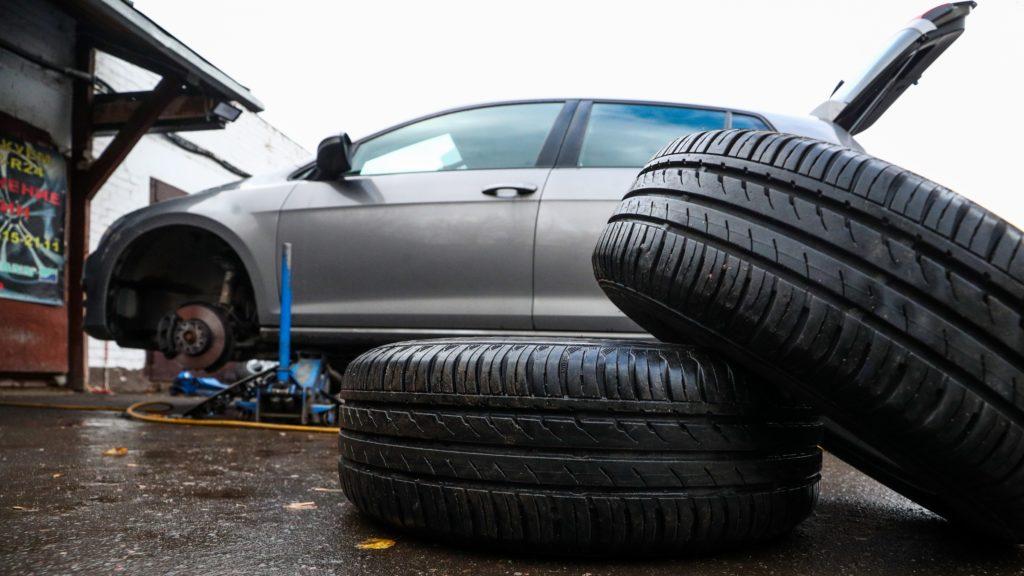 Kas kasko hüvitab ka ootamatult kiiresti kulunud rehvid või tühjeneva elektriauto aku?